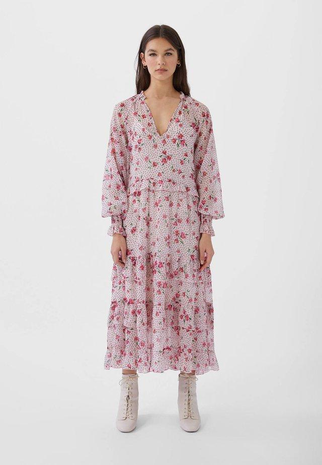 MIT VOLANTS UND PRINT  - Day dress - rose