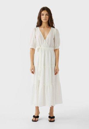 MIT VICHYKAROS - Długa sukienka - white