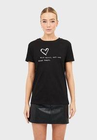 Stradivarius - MIT PRINT  - T-shirts print - black - 0