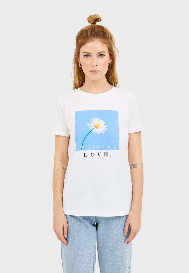 T-SHIRT MIT PRINT 02593567 - T-shirts print - white