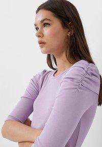 Stradivarius - T-shirt imprimé - purple - 3