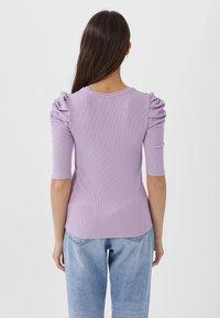 Stradivarius - T-shirt imprimé - purple - 2