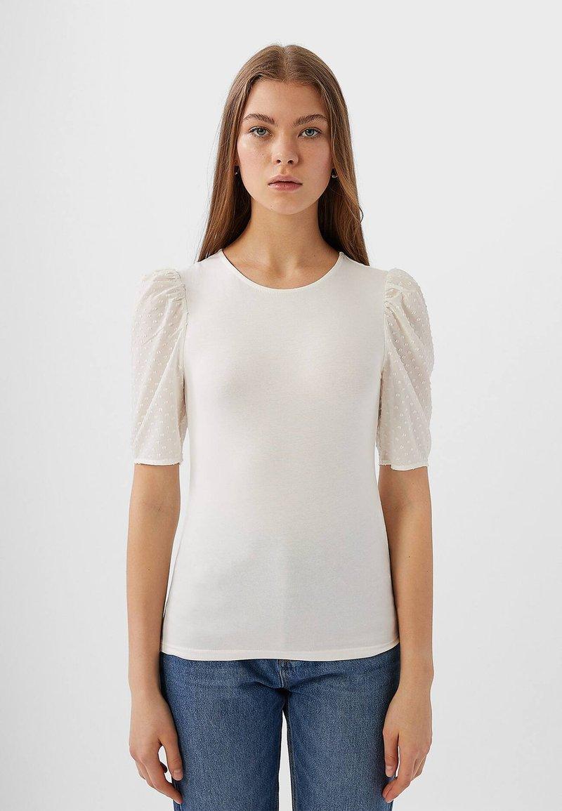 Stradivarius - MIT PUFFÄRMELN - T-shirt imprimé - white