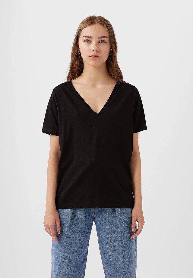 MIT V-AUSSCHNITT  - T-shirt basic - black