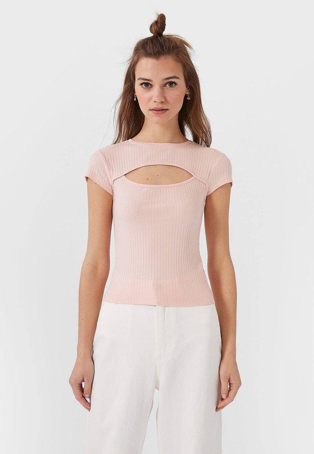 MIT CUT-OUT-AUSSCHNITT  - T-shirts print - rose