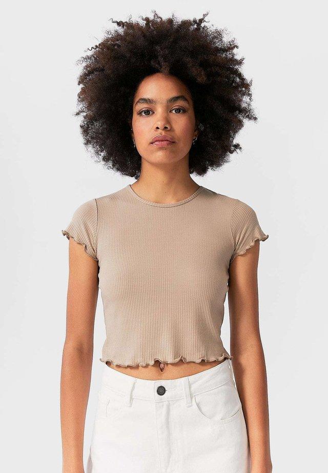 MIT KURZEN ÄRMELN - T-shirts basic - beige