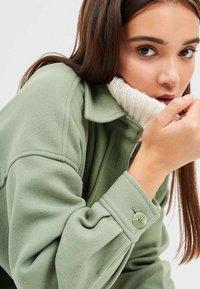 Stradivarius - Summer jacket - green - 3