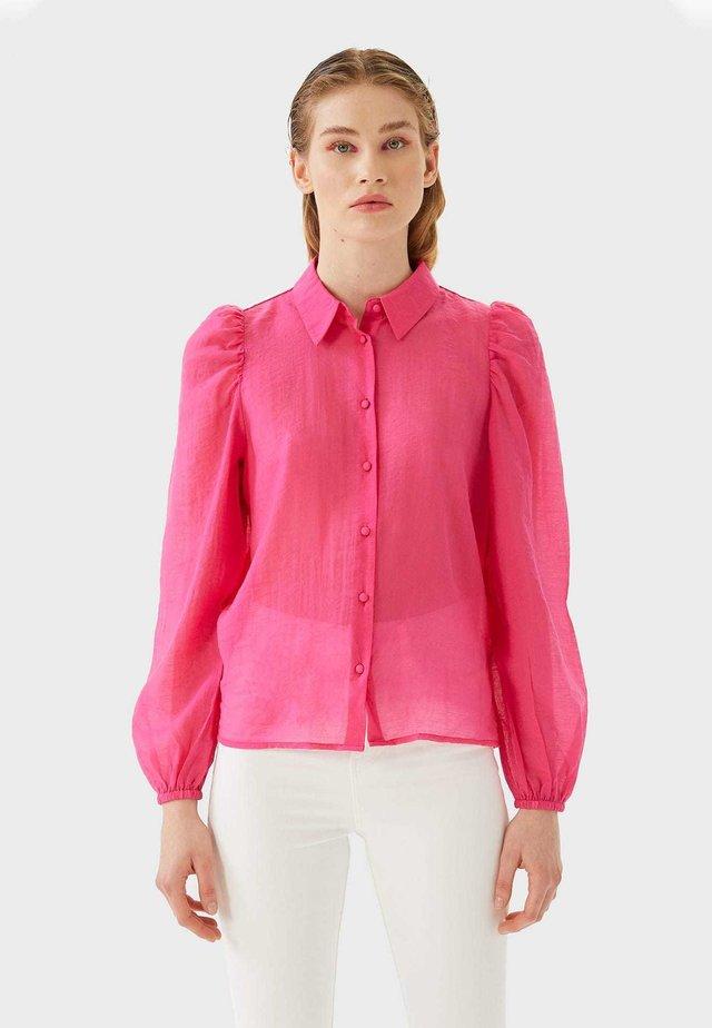MIT BAUSCHÄRMELN - Skjortebluser - pink