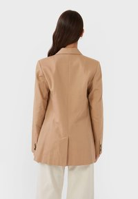 Stradivarius - Manteau court - brown