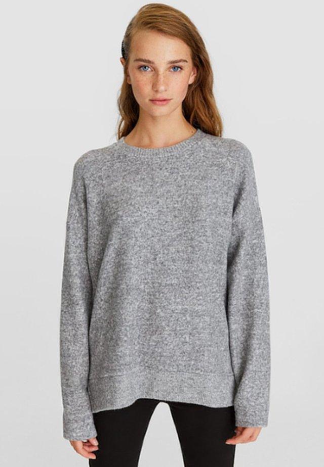 MIT RUNDAUSSCHNITT - Sweatshirt - grey