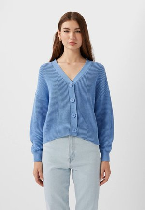 MIT FALLENDEN ÄRMELN - Strickjacke - light blue