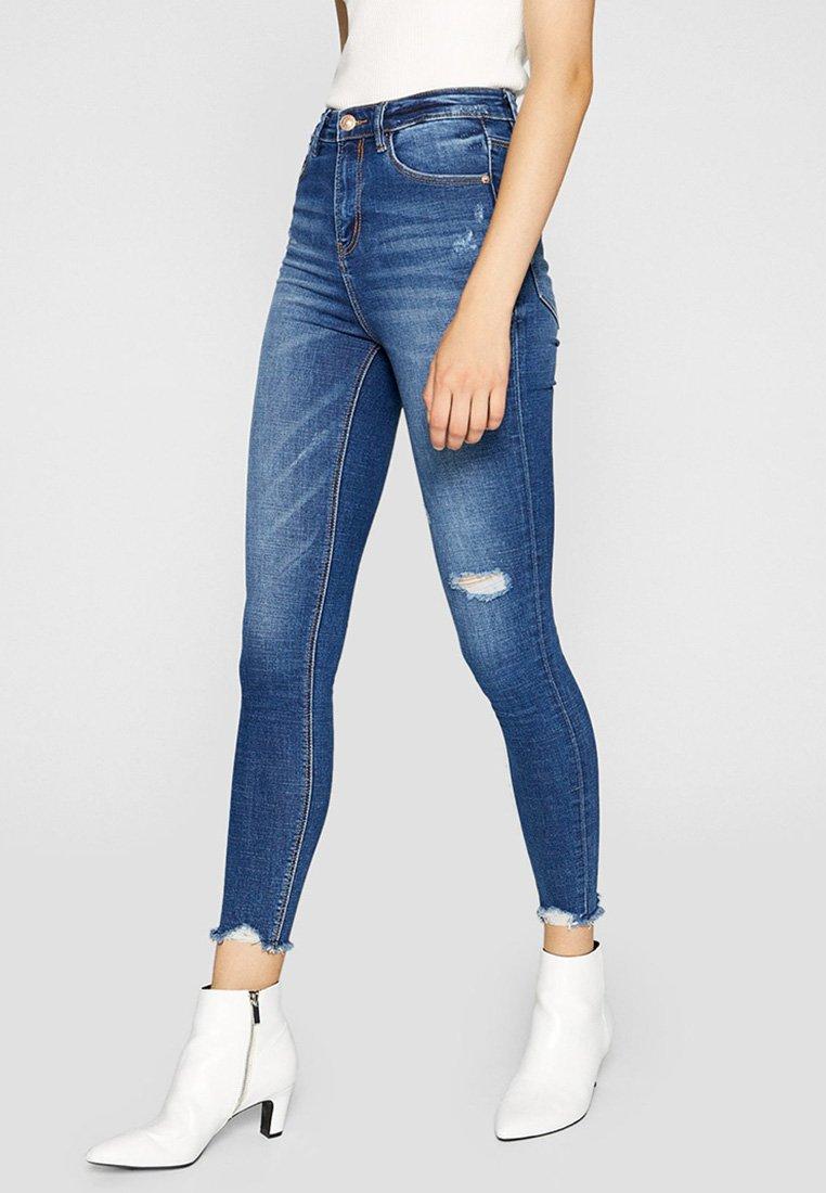 Stradivarius - SUPERHOHEM BUND - Jeans Skinny Fit - blue-black denim