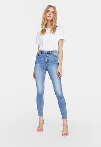 Stradivarius - Jeans Skinny Fit - blue denim - 0