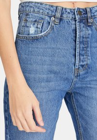 Stradivarius - MOM-FIT - Jeans slim fit - blue denim - 2