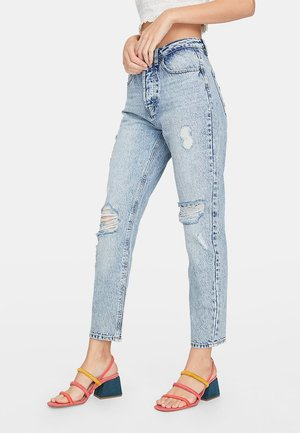 MOM-FIT - Slim fit jeans - light-blue denim