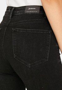 Stradivarius - MIT HOHEM BUND - Jeans Skinny Fit - black - 3
