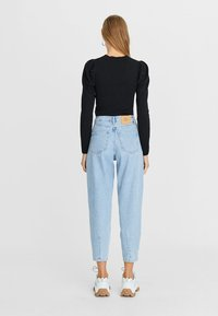 Stradivarius - Relaxed fit jeans - blue - 2
