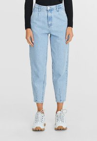 Stradivarius - Relaxed fit jeans - blue - 0