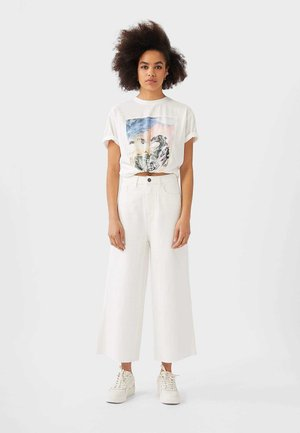 TWILL - Relaxed fit jeans - white