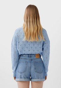 Stradivarius - MOM-FIT - Short en jean - blue denim - 2