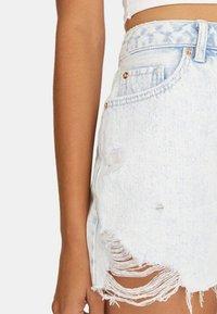 Stradivarius - Jeans Short / cowboy shorts - light-blue denim - 3