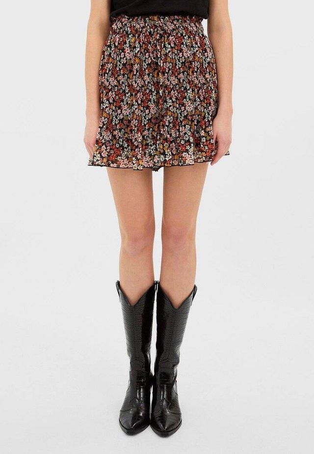MIT PRINT - Shorts - rose