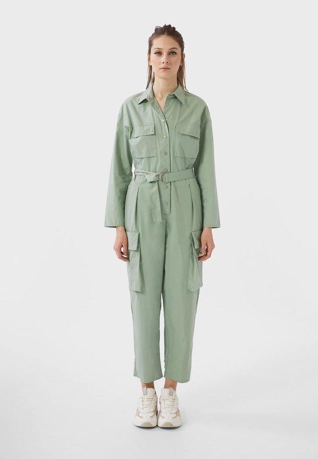 MIT CARGO TASCHEN  - Overall / Jumpsuit /Buksedragter - turquoise