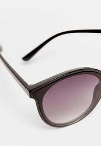 Stradivarius - Sunglasses - black - 4