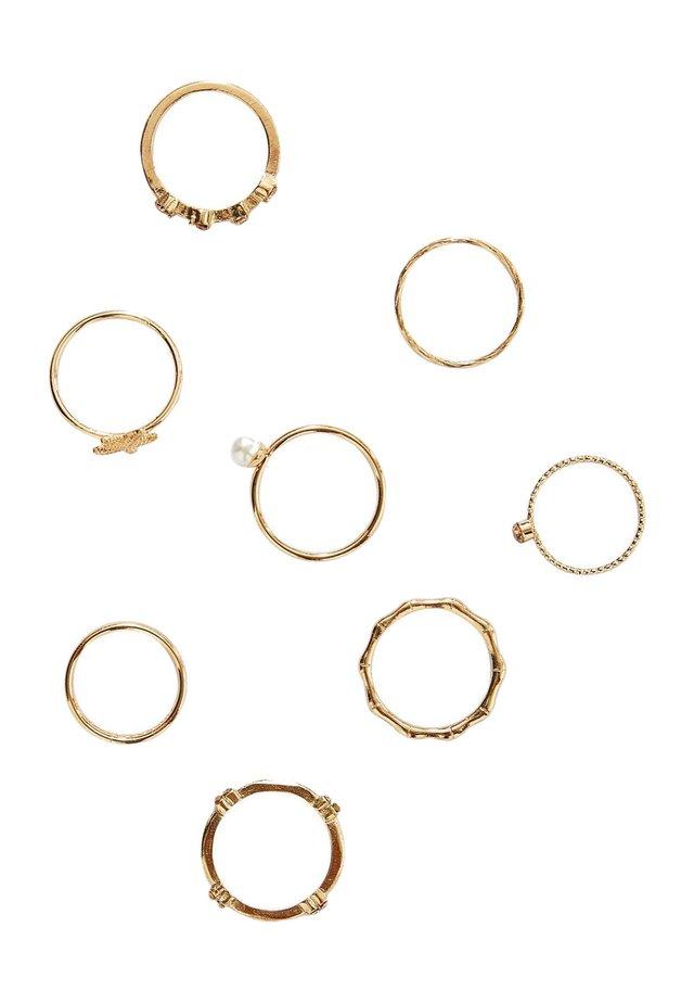 7 SET  - Ringe - gold