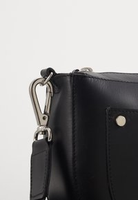 Still Nordic - ALFIE SHOULDERBAG - Across body bag - black - 3