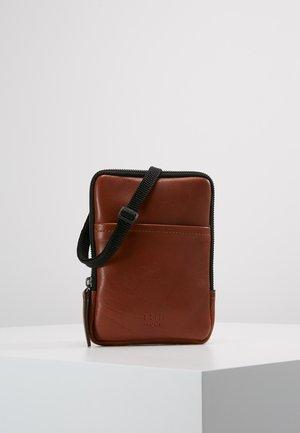 CLEAN MINI - Across body bag - cognac