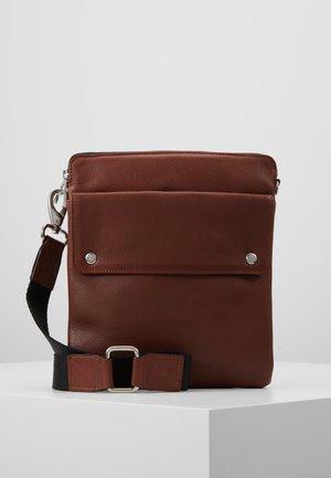 THOR MESSENGER - Across body bag - brown