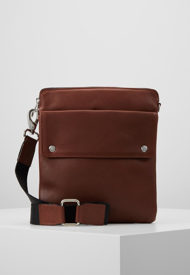 THOR MESSENGER - Torba na ramię - brown