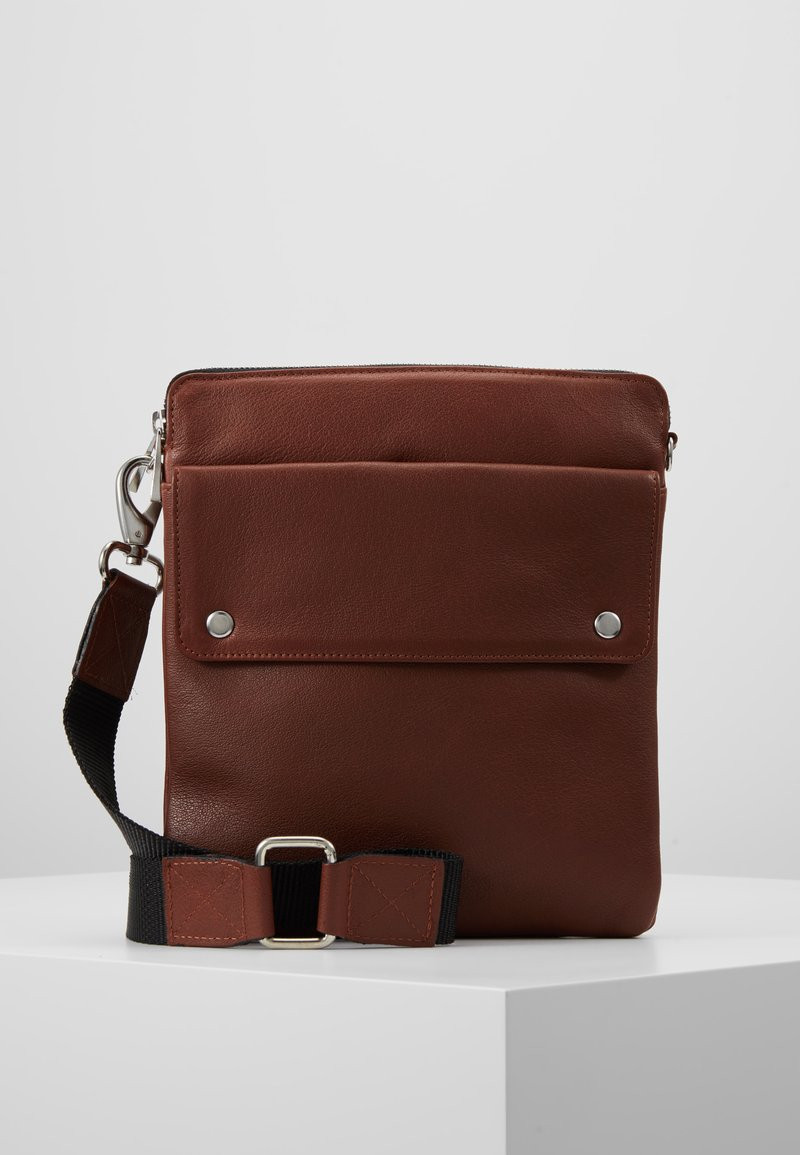Still Nordic - THOR MESSENGER - Umhängetasche - brown