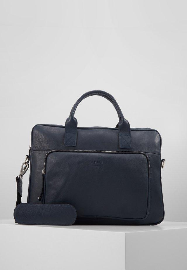 LUKE CLEAN BRIEF ROOM - Briefcase - royal blue