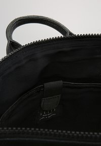 Still Nordic - WON RAVEN BACKPACK - Ryggsäck - black - 4