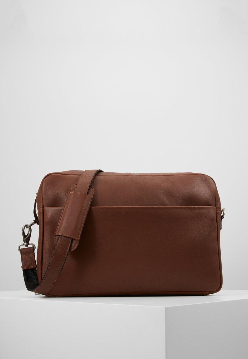 Still Nordic - STORM MESSENGER - Across body bag - brown