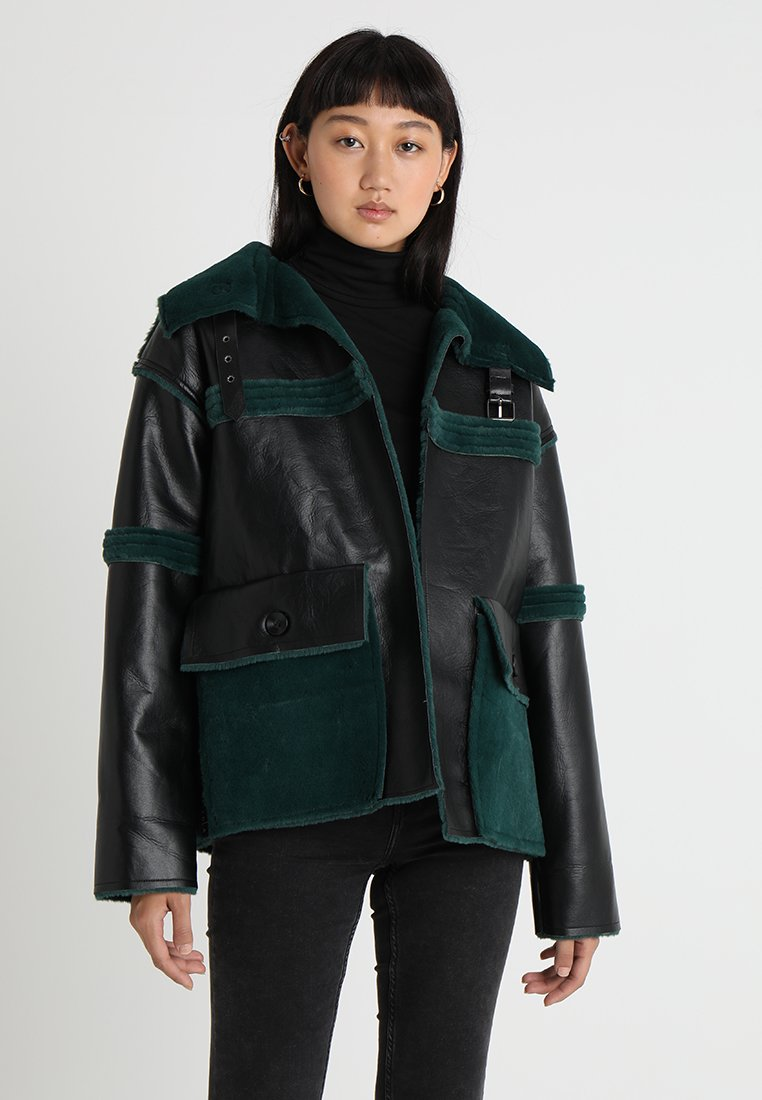 Story Of Lola - REVERSIBLE - Kunstlederjacke - black/green