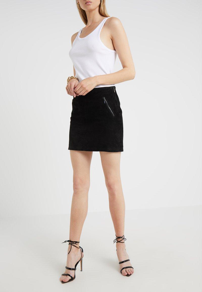 STUDIO ID - AMELIE  SKIRT - Falda de cuero - black