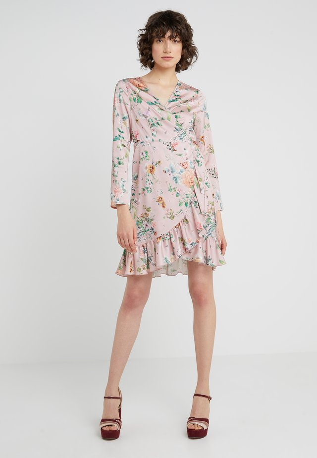 JULE SHORT FLORAL DRESS - Freizeitkleid - pink/multi