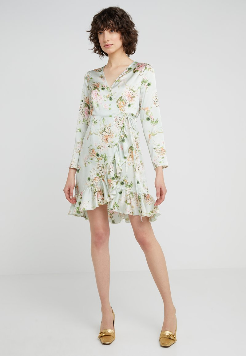 STUDIO ID - JULE SHORT FLORAL DRESS - Kjole - light green/multi