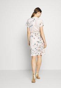 STUDIO ID - GRETA DRESS - Day dress - pink - 2