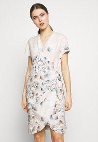STUDIO ID - GRETA DRESS - Day dress - pink - 0