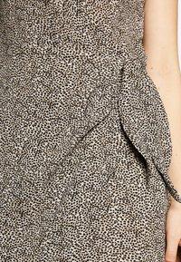 STUDIO ID - GRETA DRESS - Day dress - black spots - 4
