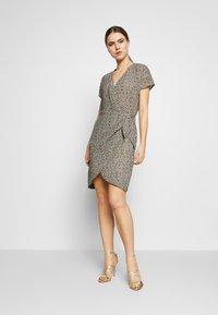 STUDIO ID - GRETA DRESS - Day dress - black spots - 1