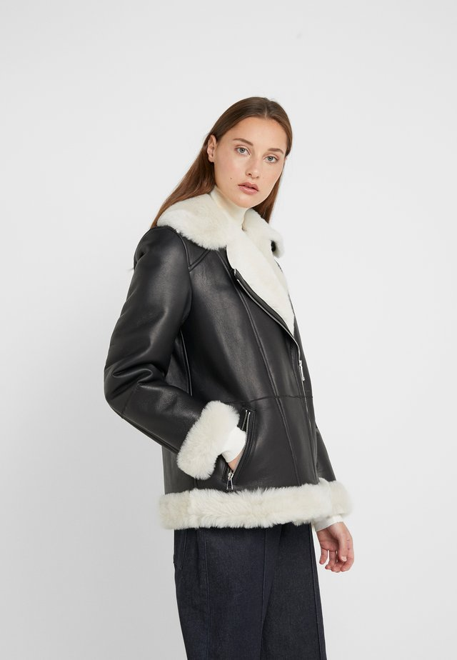 FREDA SHEARLNG JACKET - Lederjacke - black/white