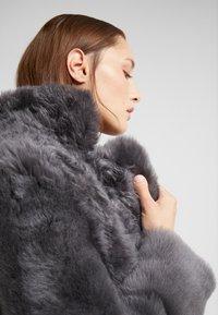 STUDIO ID - ALEXIA REVERSIBLE COAT - Leather jacket - grey - 5