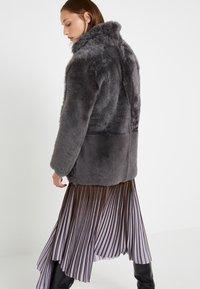 STUDIO ID - ALEXIA REVERSIBLE COAT - Leather jacket - grey - 3