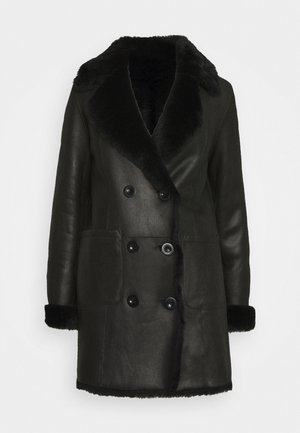 CAROLINE SHEARLING COAT - Zimní kabát - black