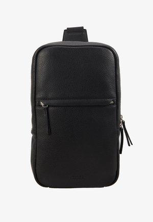 CROSSBODY BACK BAG - Taška spříčným popruhem - black